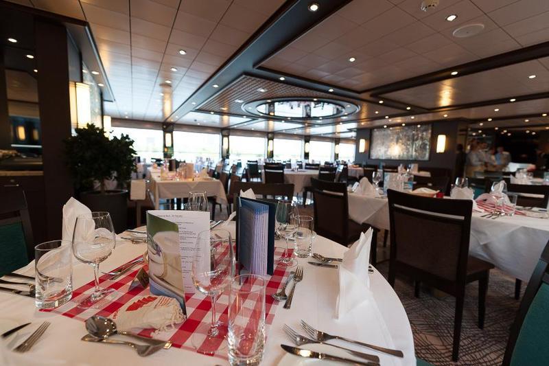 Modern Diner Sitzgruppen : Ms allegra schiffsinformationen zur reise donausymphonie : passau