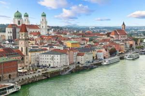 "Donaukaleidoskop: Passau - ""Eisernes Tor"" - Passau mit der MS Aurelia"