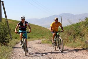 Kirgistan - Bike & Hike in Kirgistan